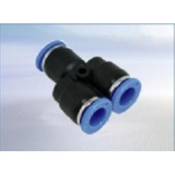 Conector policarbonat Y